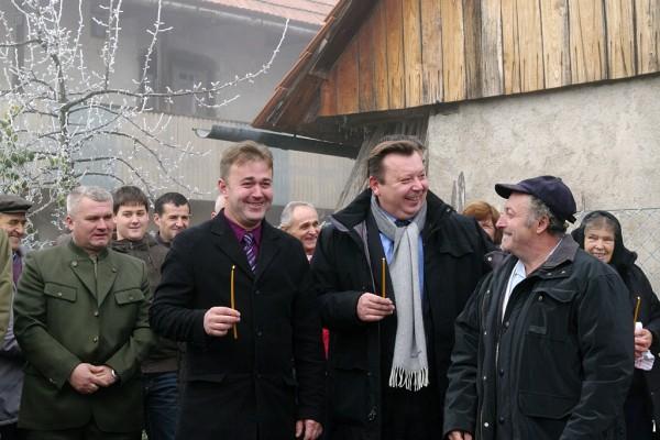 Potpredsjednik Vlade RH i načelnik Općine Žumberak na blagoslovu ceste