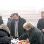Tomaševci: Stanovnici su u znak zahvale goste počastili domačim proizvodima.